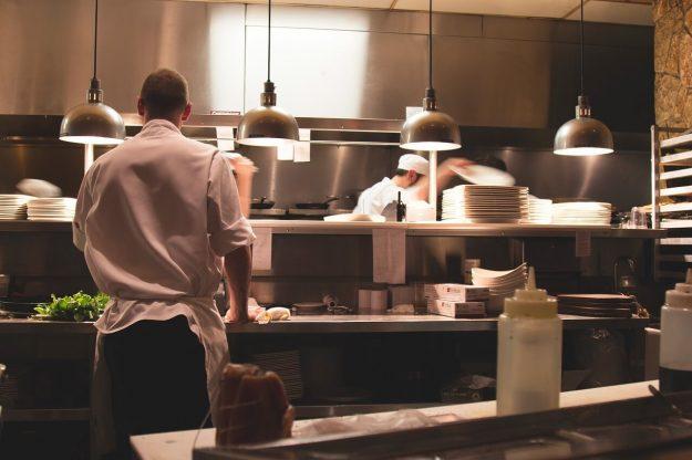 restaurant-2623071_1280.jpg